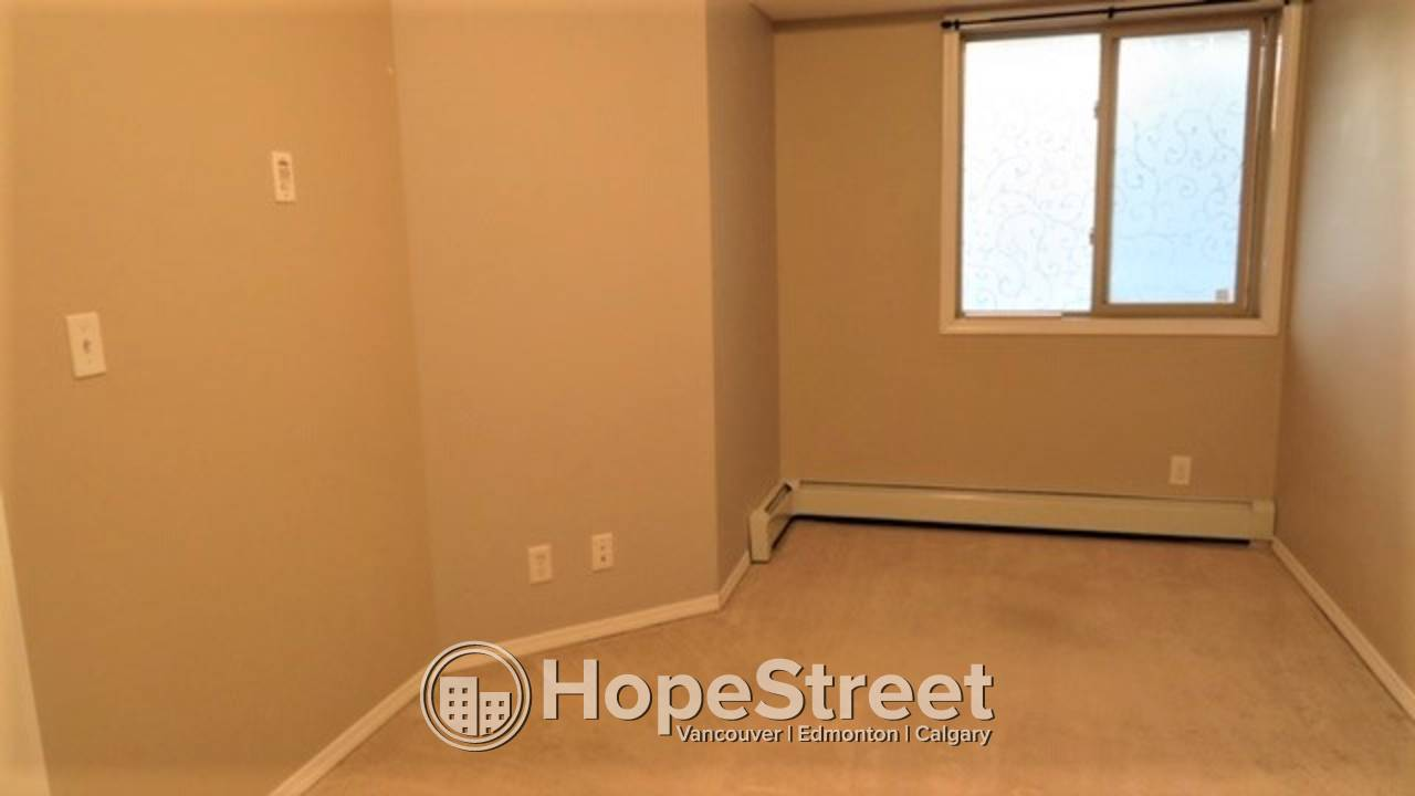 2 BD Condo in Rutherford: Close to walking Trails Around Blackmud Creek!!!