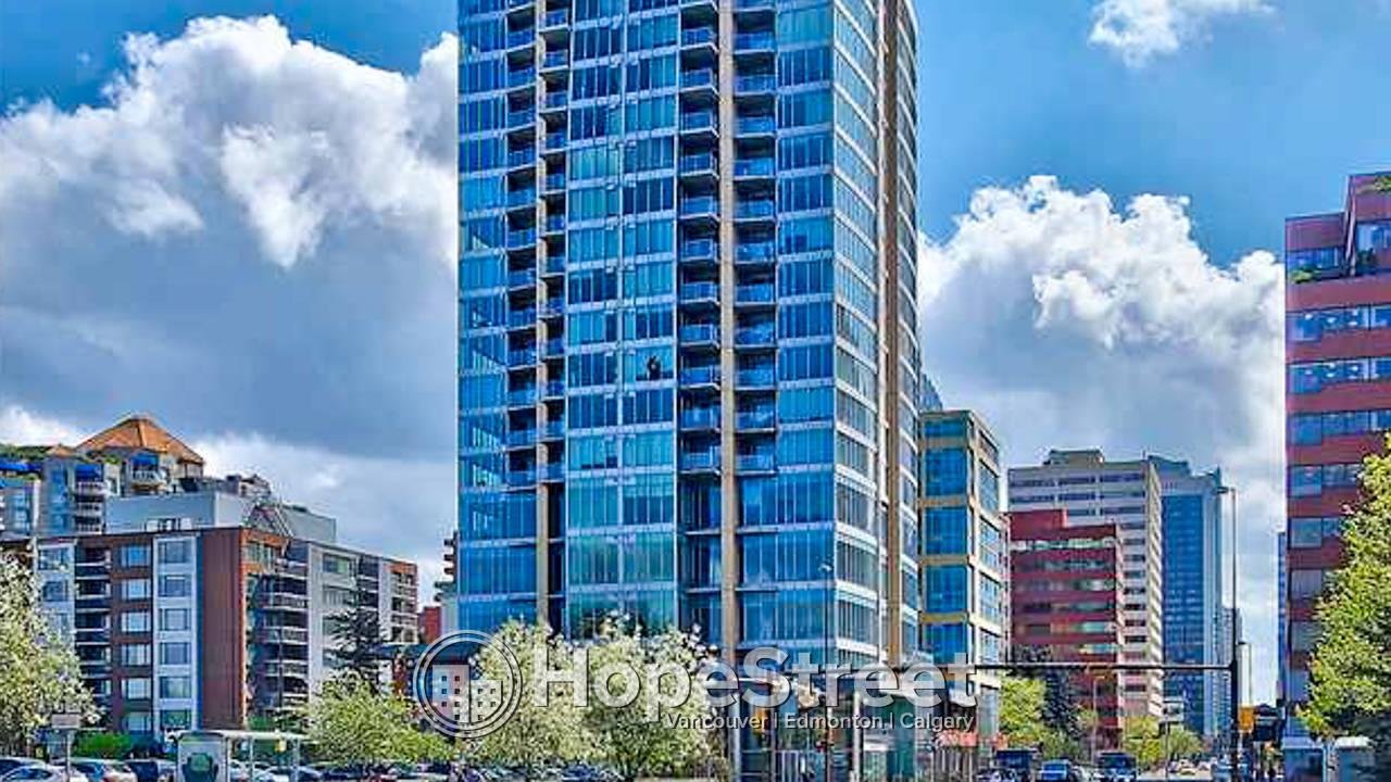 1 Bedroom Executive Downtown Condo, Amazing River Views.