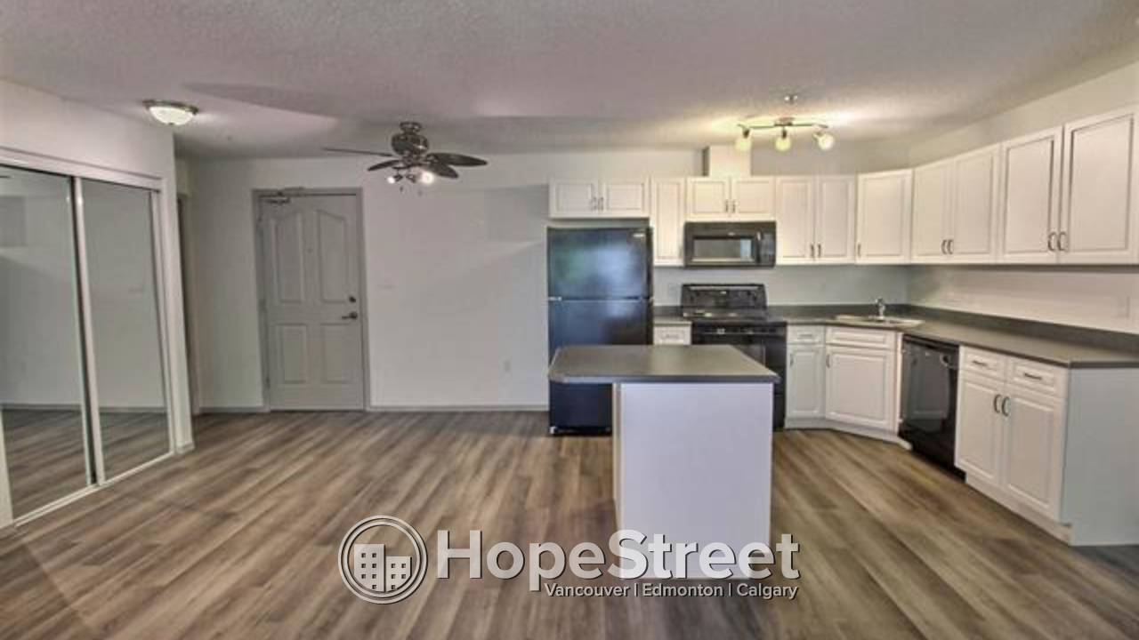 Updated two bedroom condo in Lewis Estates: Heat & Water Included