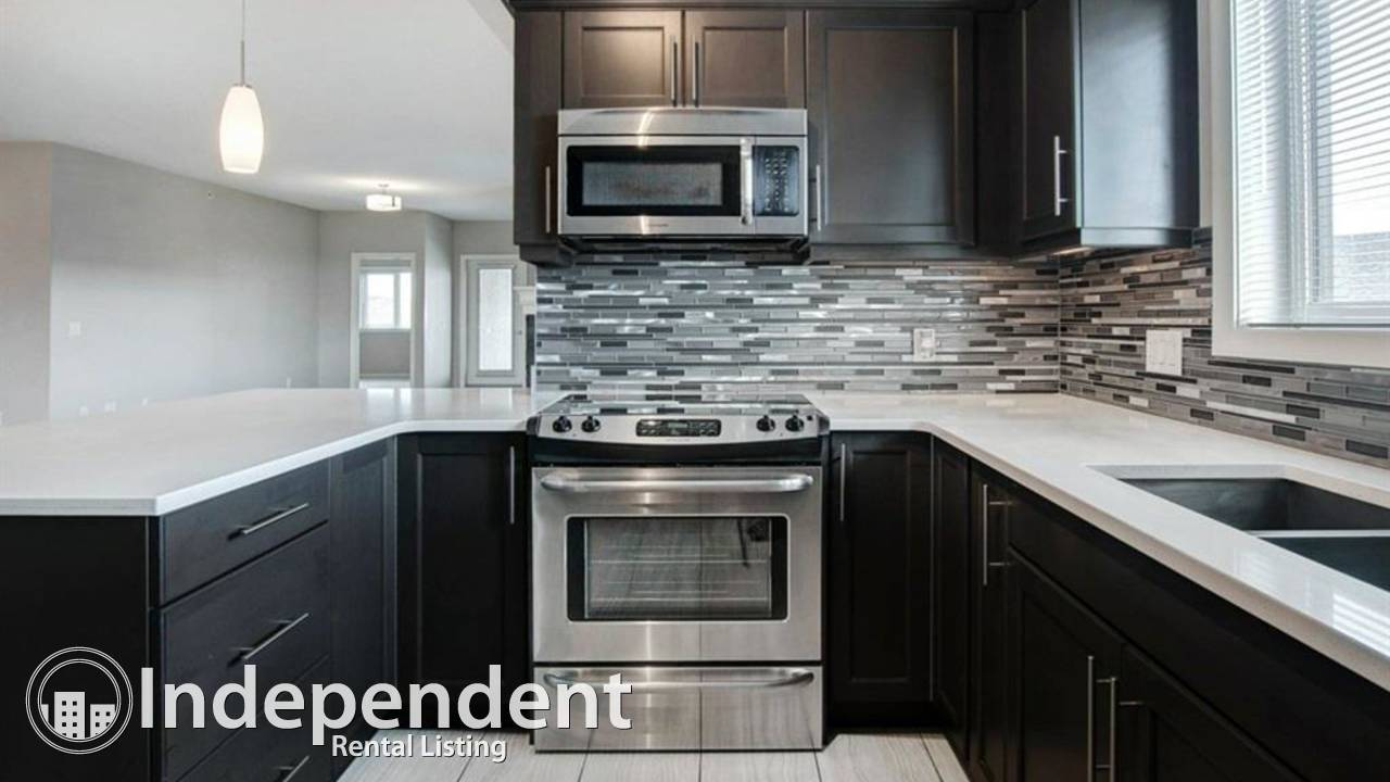 3BD PENTHOUSE END UNIT in the luxurious ADULT 18+ complex in KINCORA