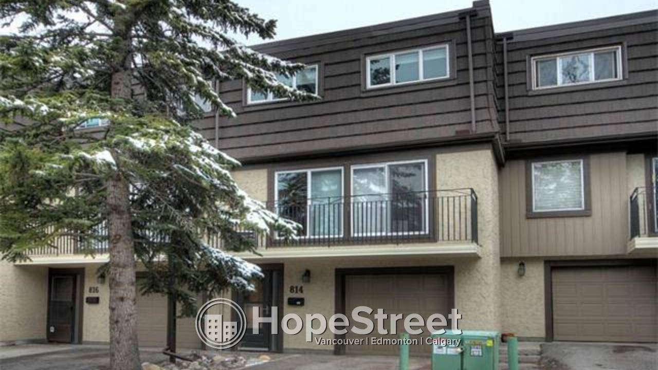 3 Bed RENOVATED Townhouse Lakeview:  REST OF DEC RENT FREE