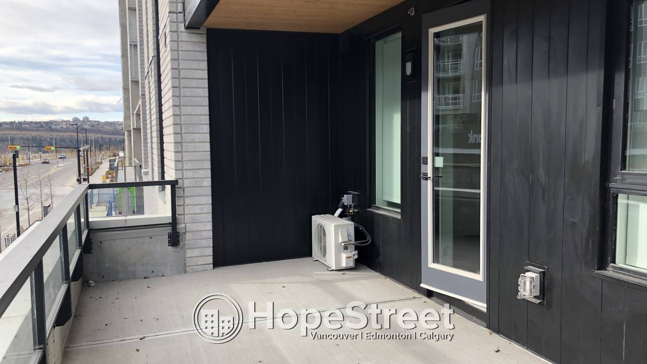 BRAND NEW 1 Bed ap w/ large balcony & undgr parking in University District