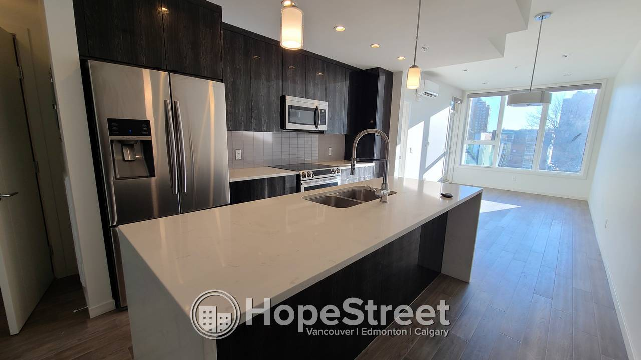 Stylish 1 Bed Condo w/ a Functional Layout and Undrg Parking