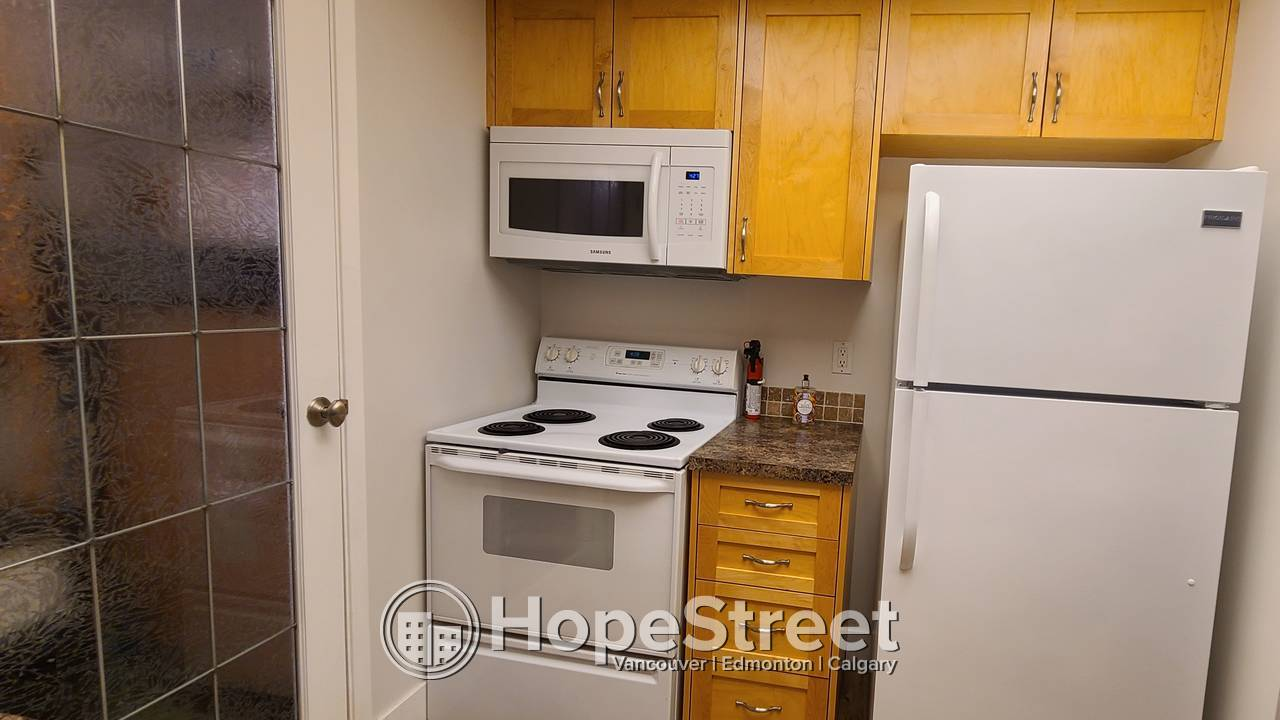 1 BR CONDO AT SONOMA PLACE, IN EAU CLAIRE! ALL UTILITIES INCLUDED!