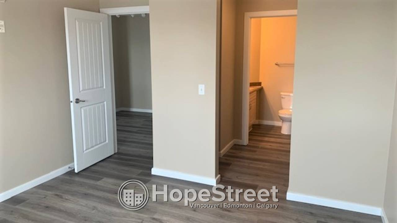2 Bed Spacious Condo for Rent  in Spruce Grove w/ TWO PARKING STALLS