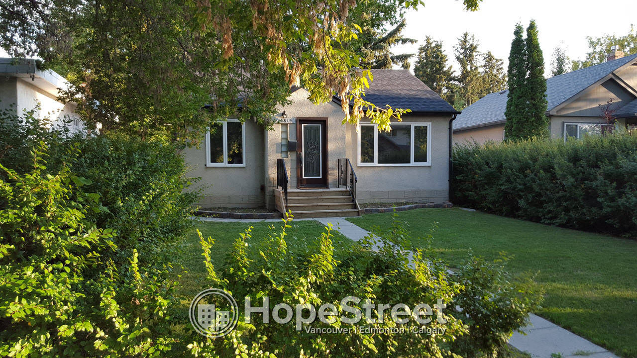 4 Bedroom Renovated Bungalow In ALLENDALE