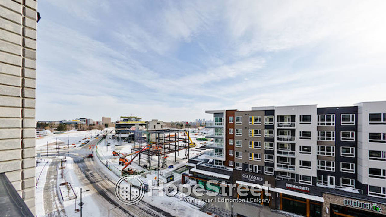 BRAND NEW 2 BDCondo in University District: EARLY MOVE IN AT NO CHARGE