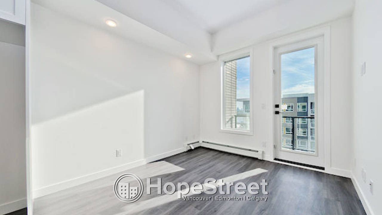 BRAND NEW 2 BDCondo in University District: Heat & Water Included