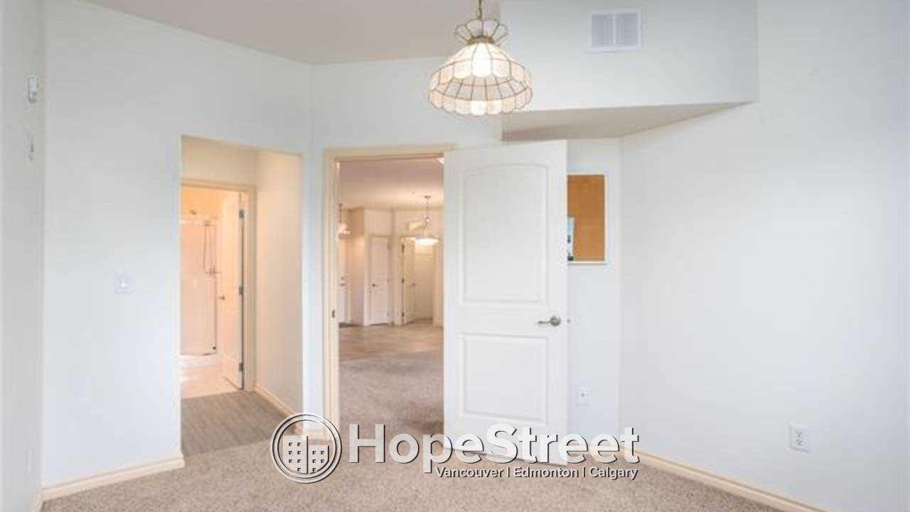 2 Bedroom Spacious Condo for Rent in Bonnie Doon: Adult Building 45+