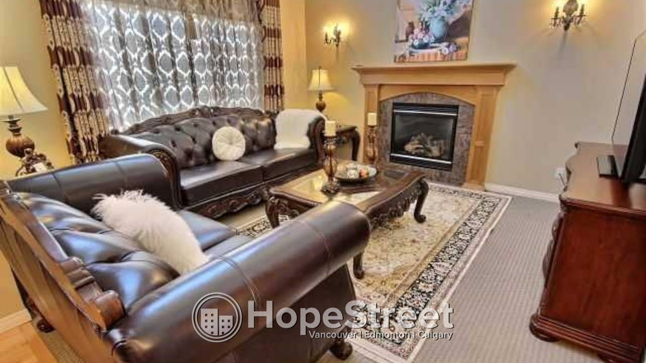 EXCEPTIONAL 2300 sqft, 2-storey Home in desirable Aspen!