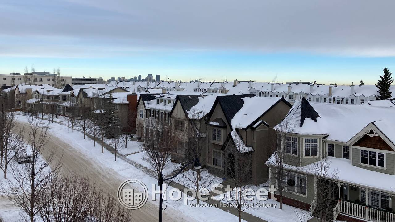 Desirable concrete building condo in Garrison Green!: UTILITIES INCLUDED