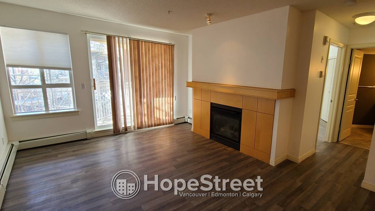 1 BR + Den Beautiful Condo for Rent in Lincoln Park: HEAT & WATER Included