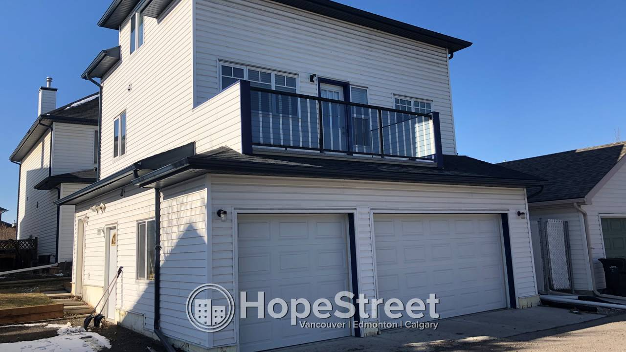 2 BR Laneway House For Rent in Mckenzie Towne: Utilities Included.