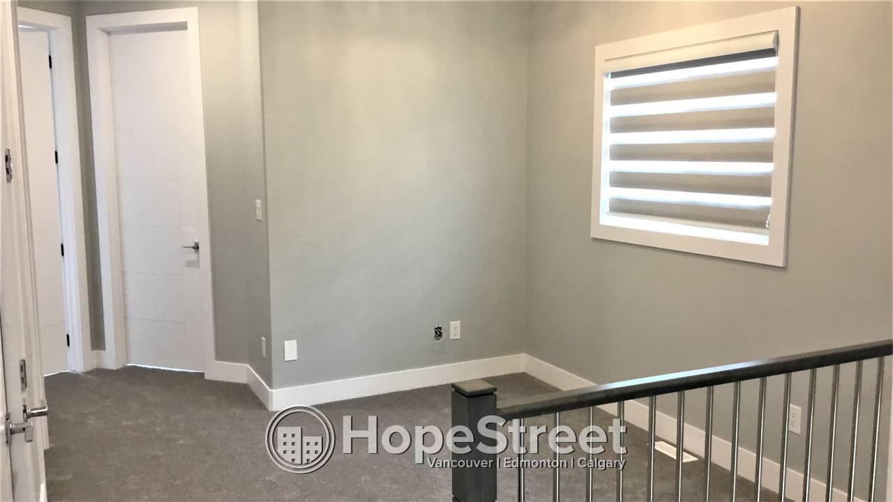 3 Br Main Suite For Rent In Orchards w/ Double Detached Garage!