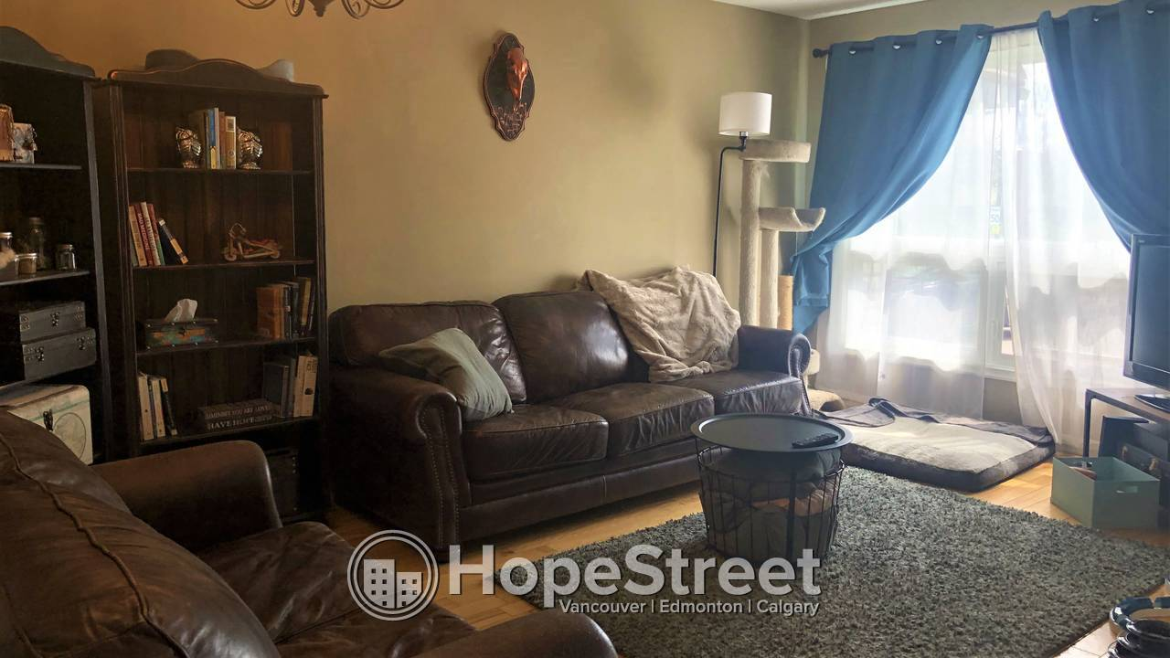 3 BR Townhouse for Rent in Pineridge w/ Assigned Parking!