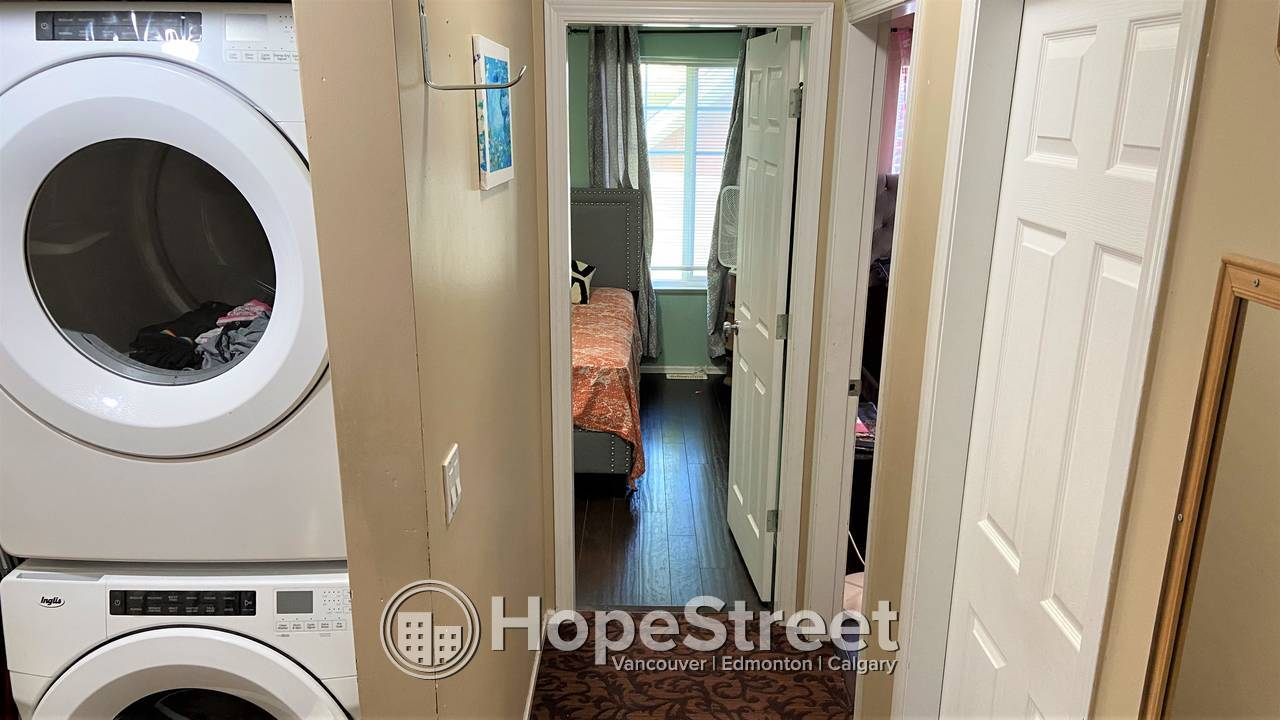 3 BR Corner Townhouse in a family oriented complex - Mandalay Village.