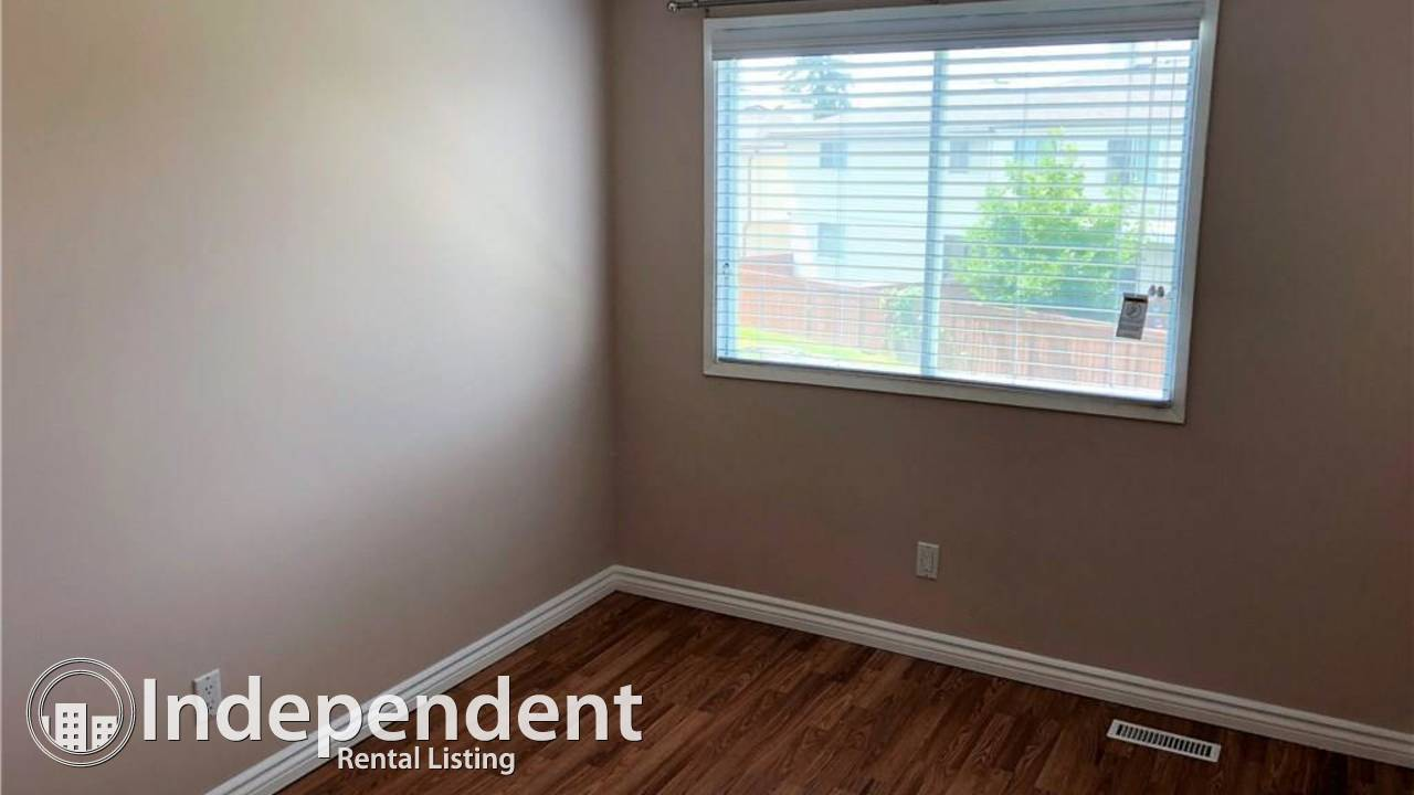 3 Bedroom Townhouse for Rent in Falconridge!