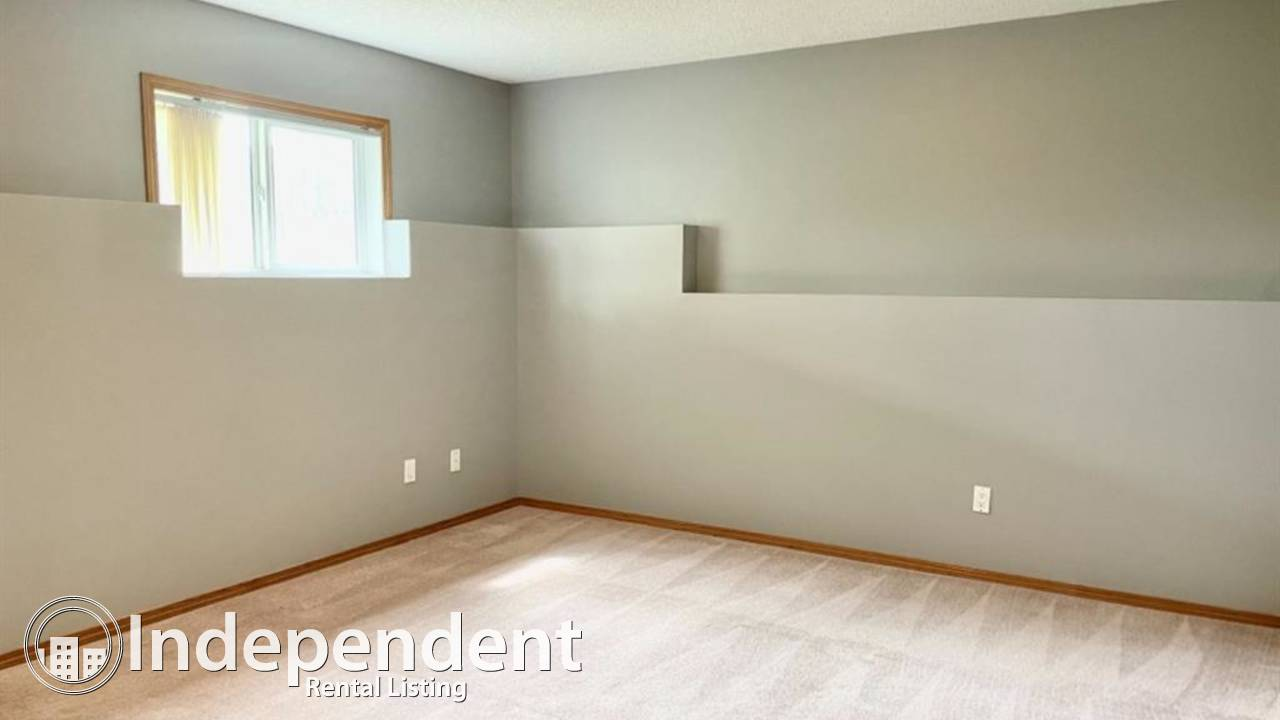 3+3 Bedroom House for Rent in Applewood Park
