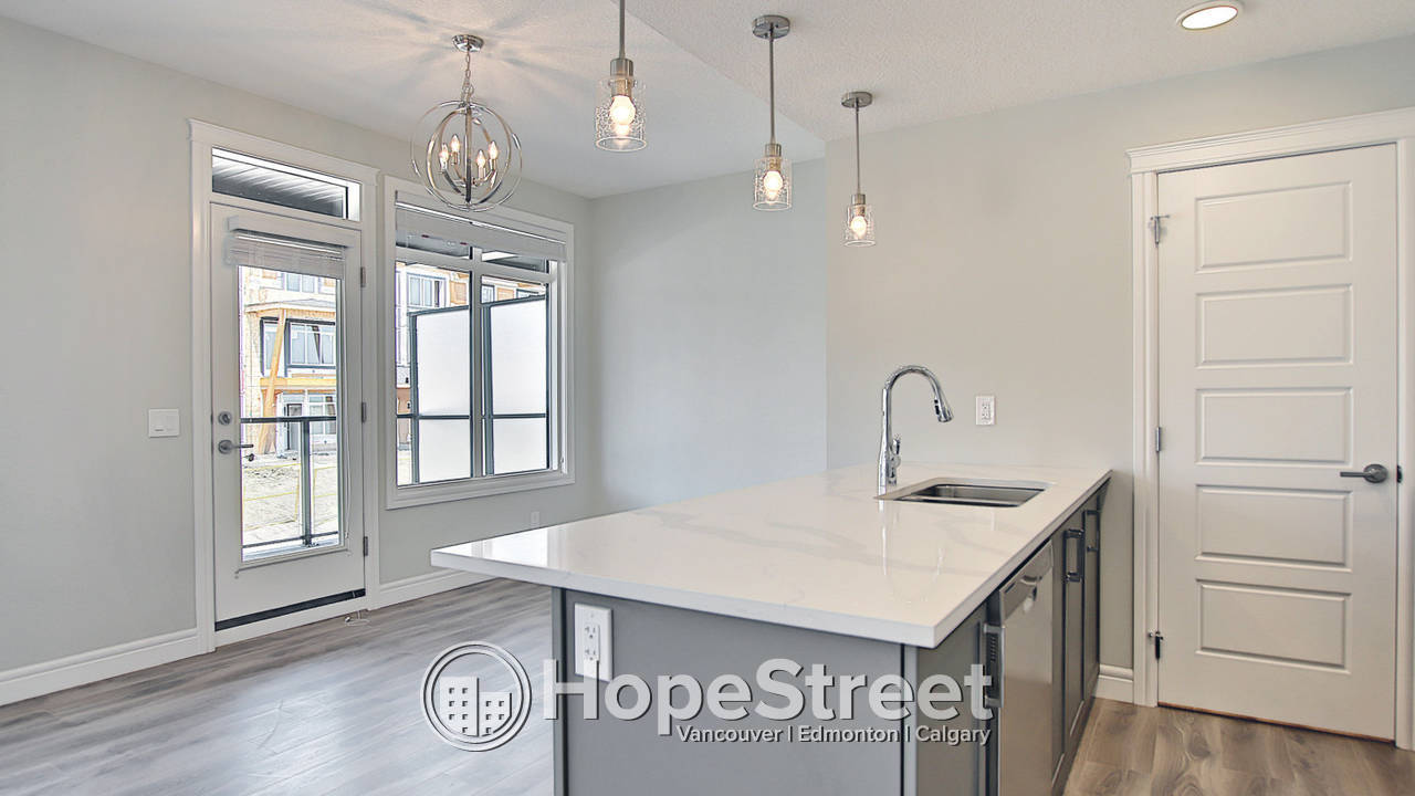 50% OFF FIRST MONTH RENT /Brand NEW Townhouse w/Double Garage.