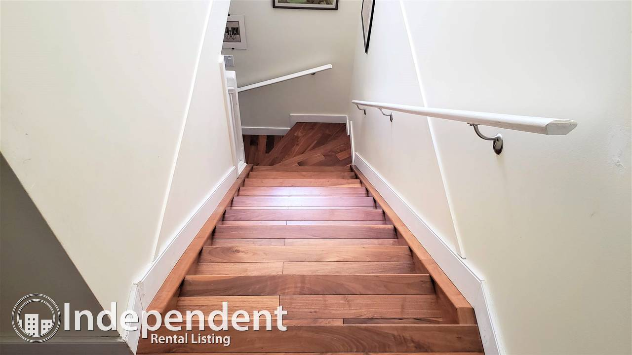 3+1 BR Townhouse for Rent in Oliver w/ DOUBLE GARAGE/ PETS NEGOTIABLE