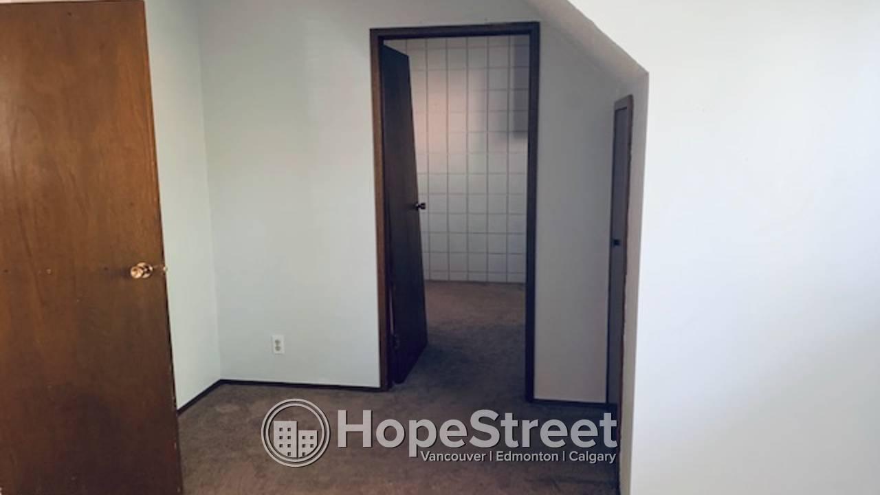 1 Bedroom + Den Duplex Lower Suite by University of Calgary!