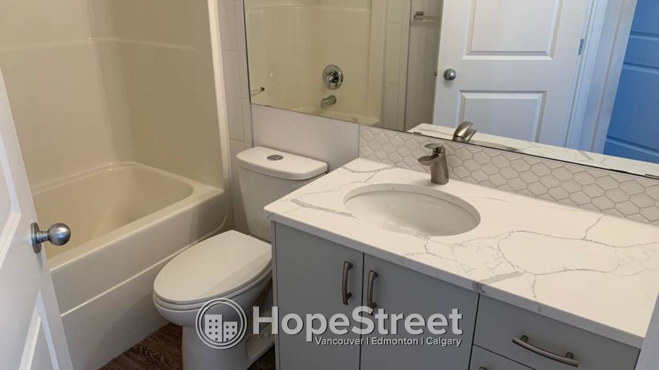 4 Bedroom RENOVATED House for Rent in Leduc w/ Detached Garage.