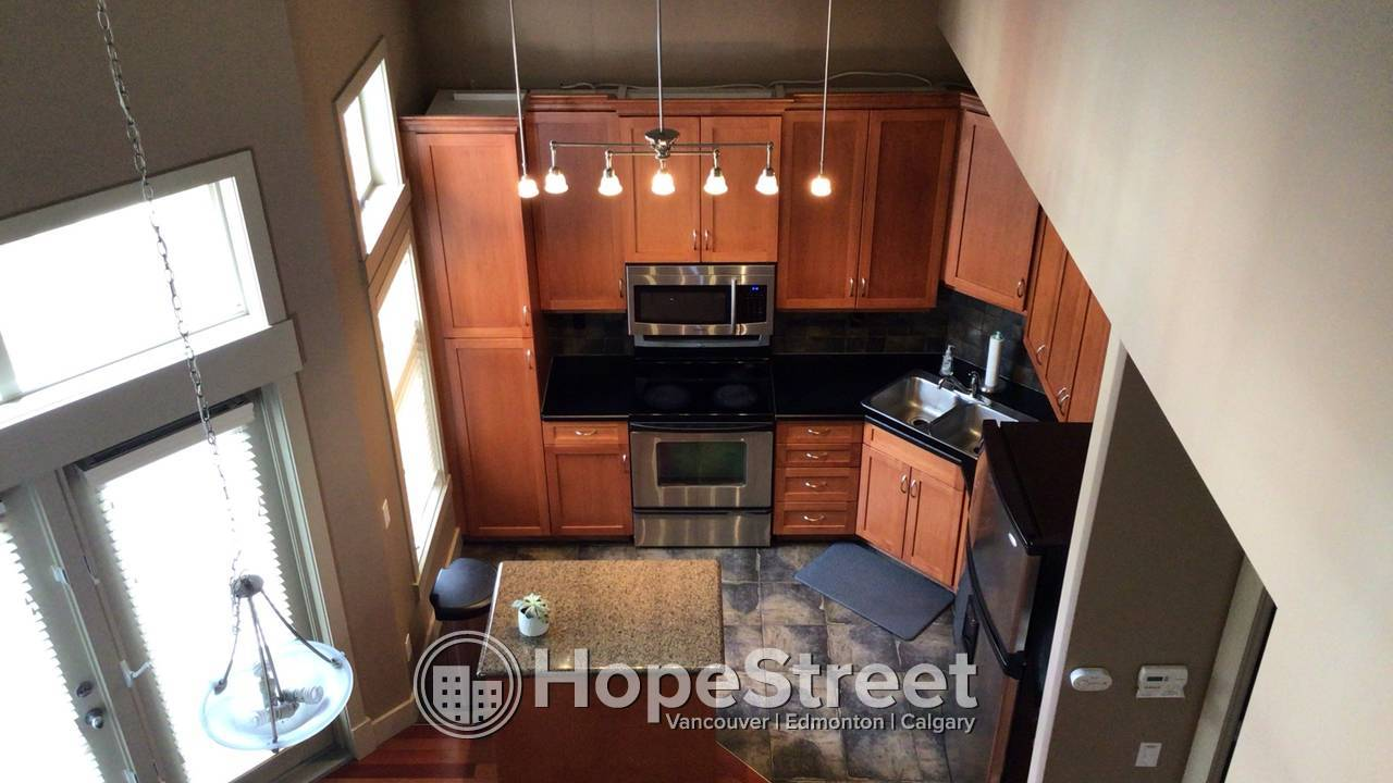 Gorgeous executive townhome in Garrison Woods' Patricia Landing!