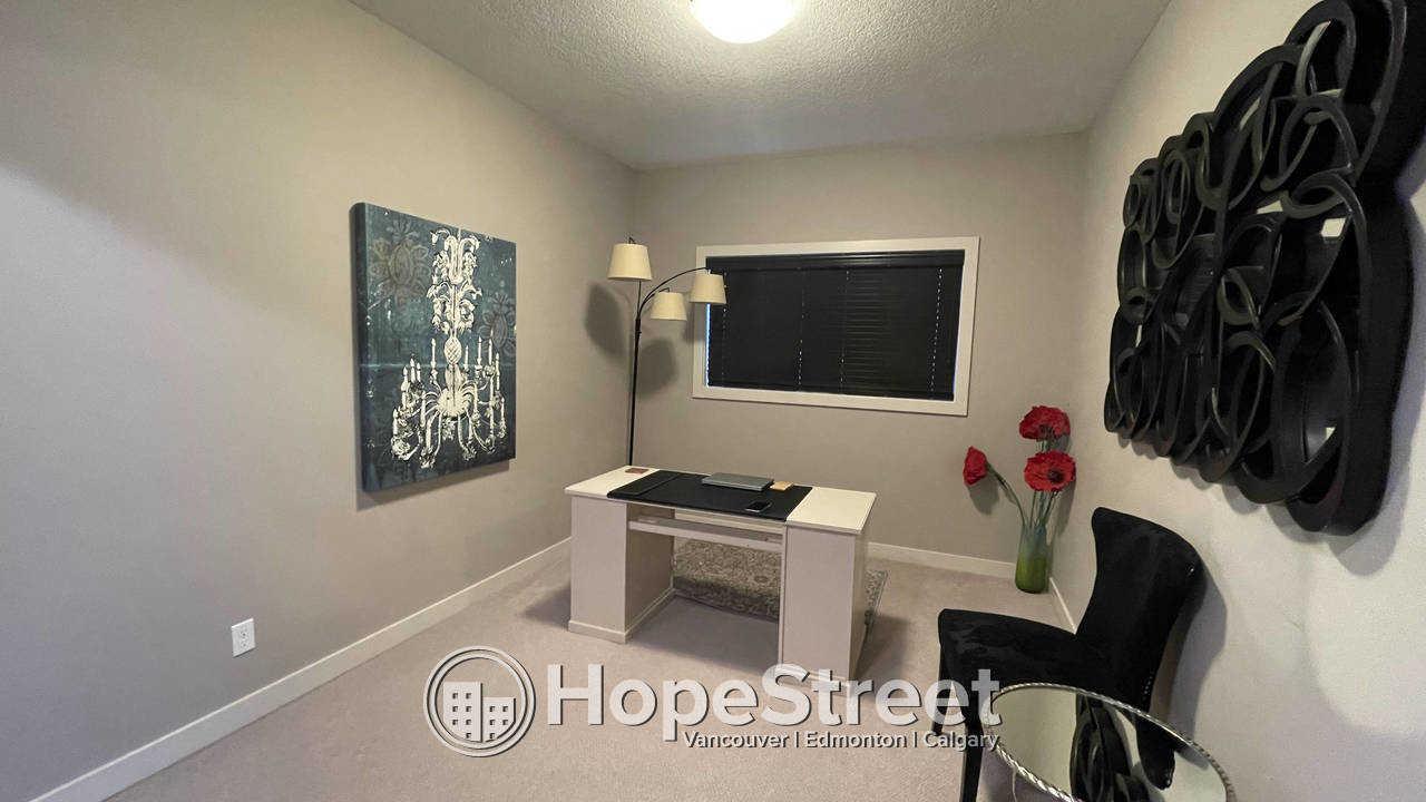 Executive 3 Bedroom House for Rent in prestigous Aspen Woods!