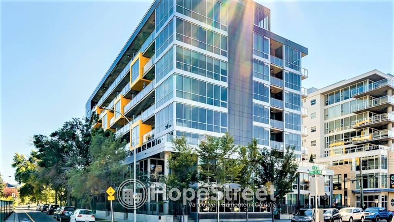 FURNISHED 1 BED + DEN Condo in Sunnyside with Downtown City Views.