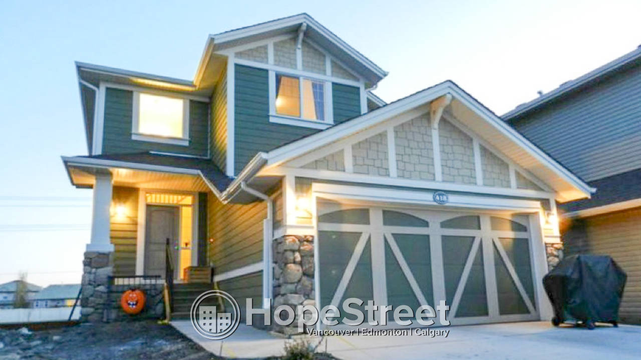3 Bedroom Home in Williamstown - Airdrie: Pet Negotiable