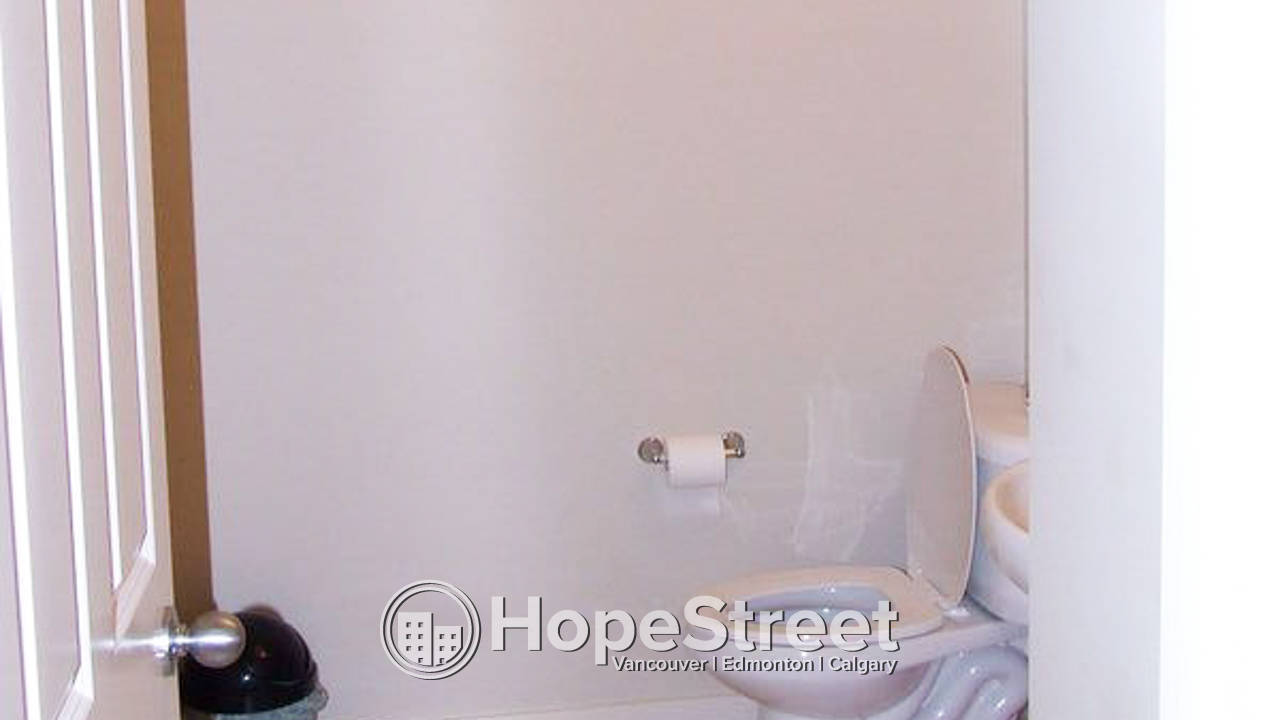 Nice 3 Bedroom 2 Story in McKenzie Towne